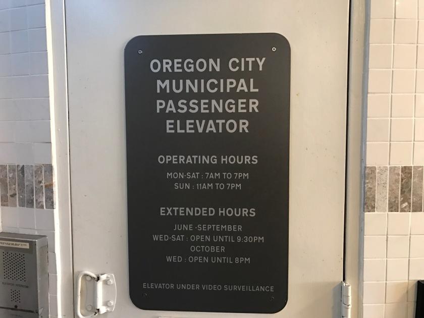 Oregon_City_Vert_Street_22