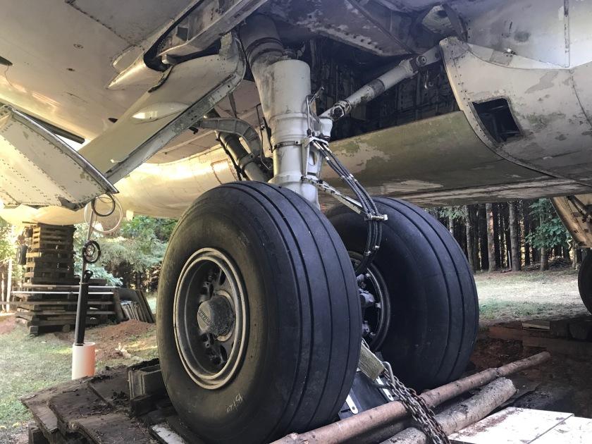 Massive landing gear