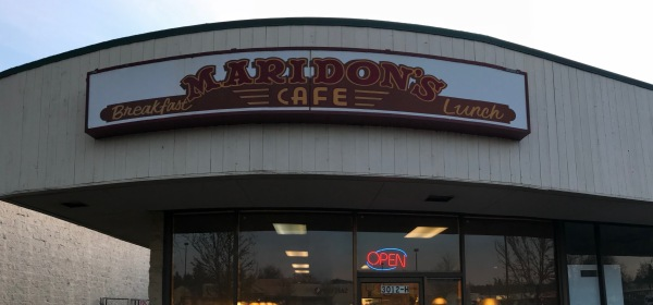 Maridon's sign is large and easy to spot from the wealth of available parking spots