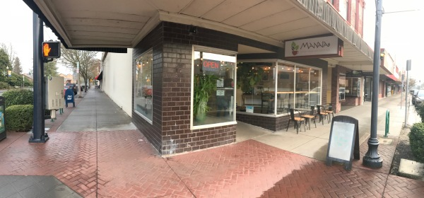 Outside Manaia are several tables for brave diners who want to challenge the weather - I elected to stay inside and enjoy the warmth on this chilly day